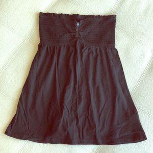 Black Strapless Top. M.
